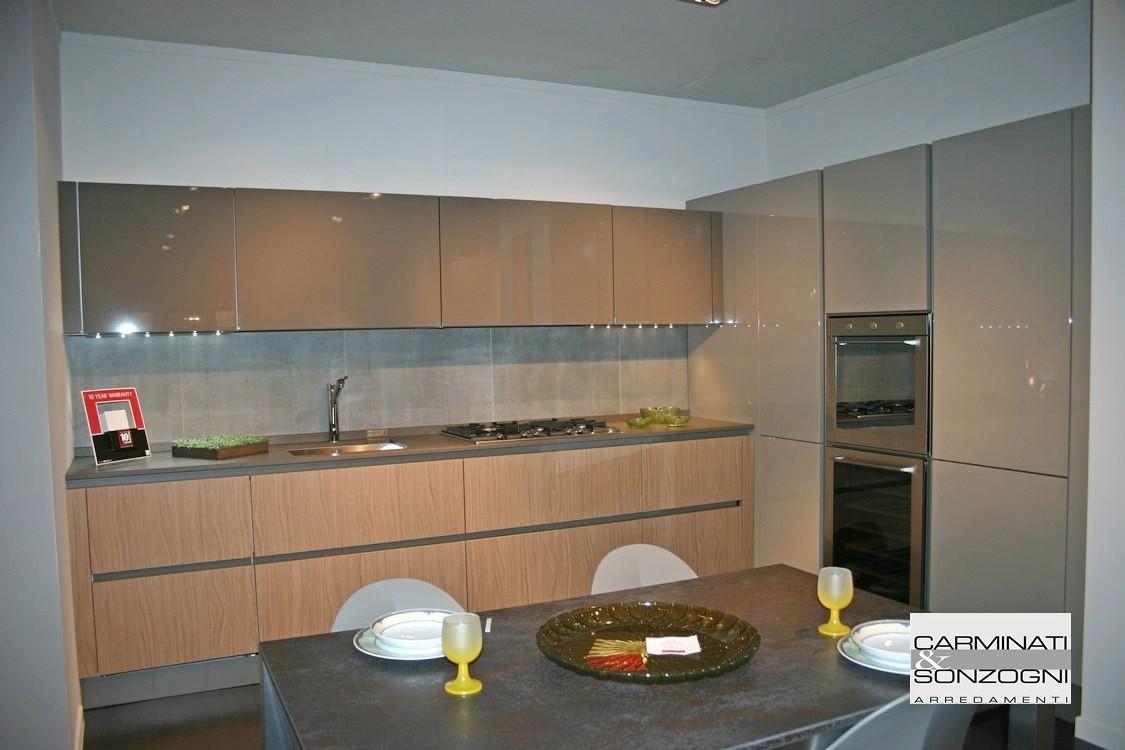 Outlet cucine cucina in offerta a prezzo d 39 occasione for Cucine esposizione outlet