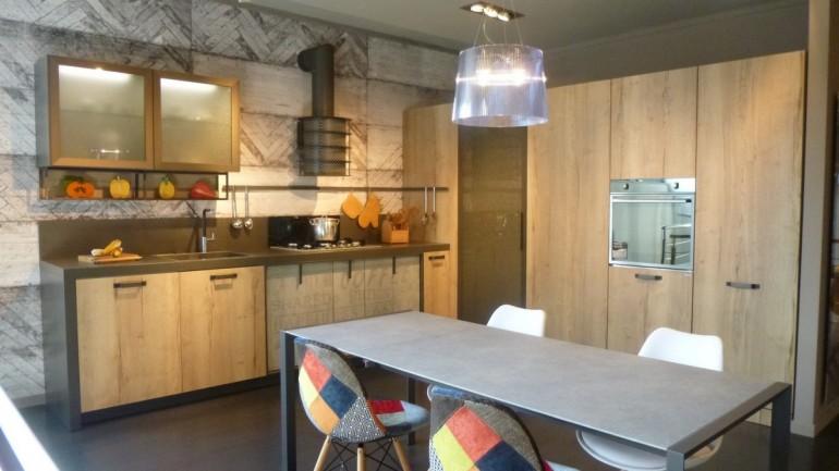 cucina Snaidero modello Loft visibile in esposizione a Zogno Bergamo