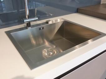 outlet cucine, cucina modello Digma DeMode Valcucine - particolare lavello Franke vasca quadra