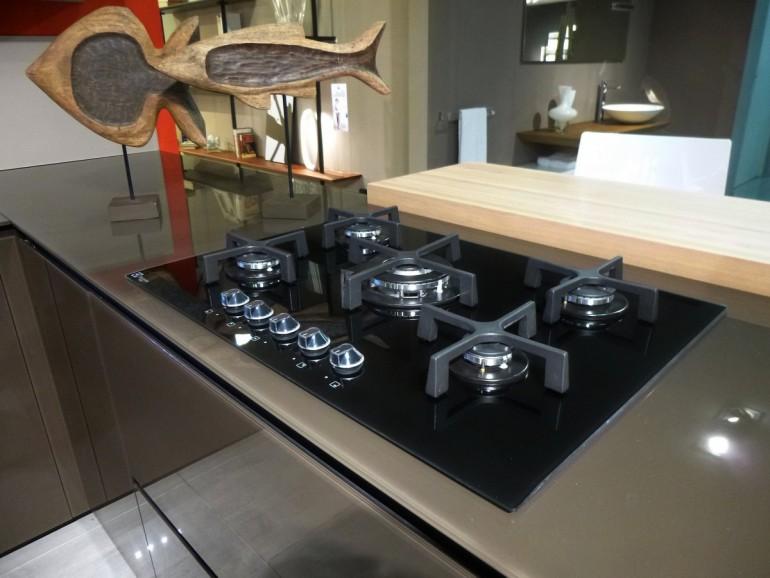 Outlet valcucine una cucina in offerta a prezzo d - Top cucina in vetro ...