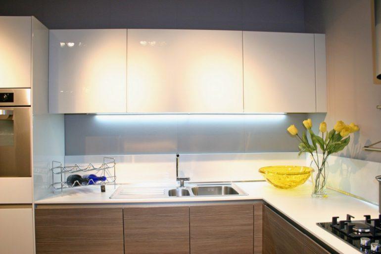 Outlet cucine snaidero cucina in offerta a prezzo occasione - Cucine componibili in kit di montaggio prezzo ...
