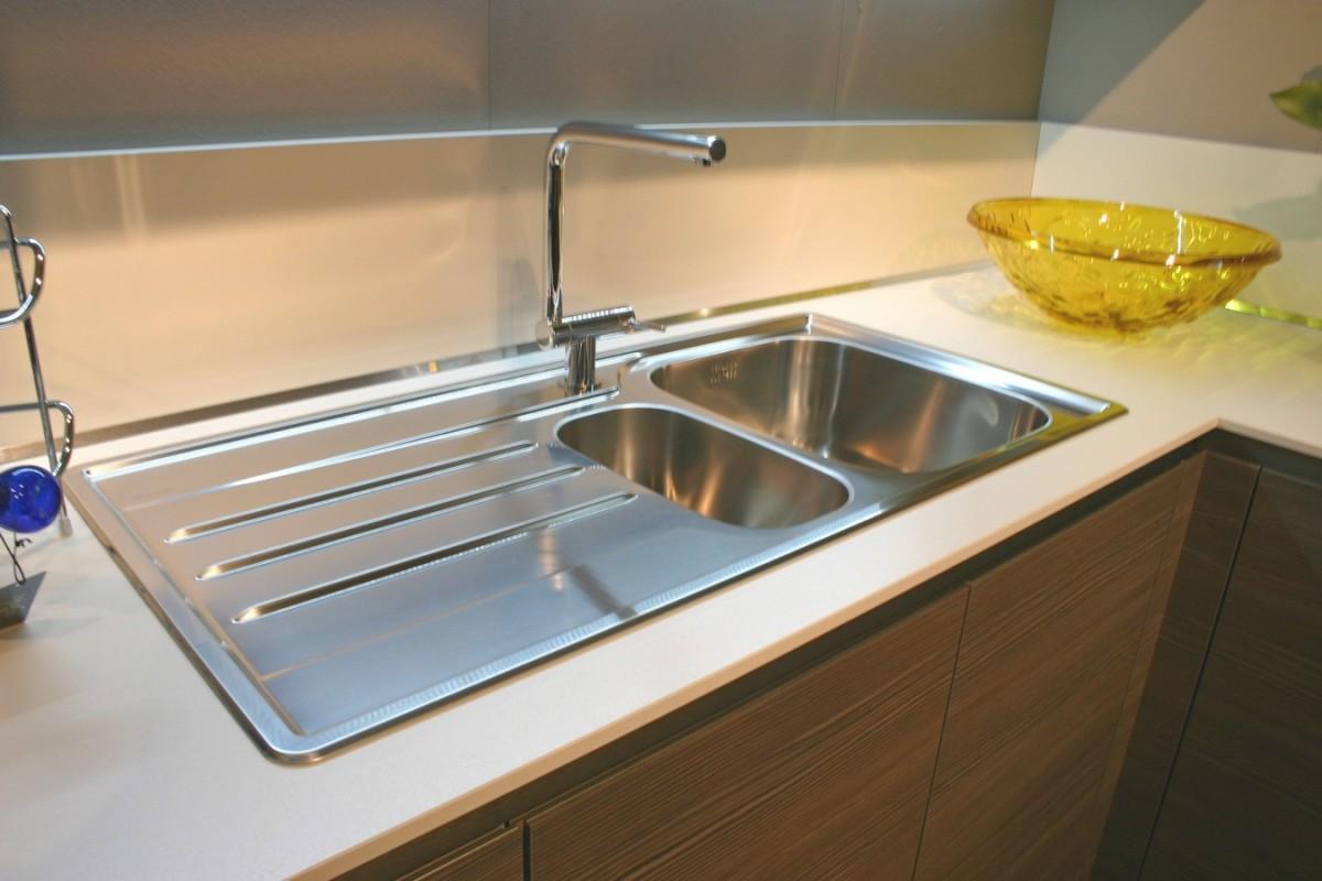 Offerte cucine moderne da esposizione affordable emejing for Cerco cucine componibili nuove in offerta