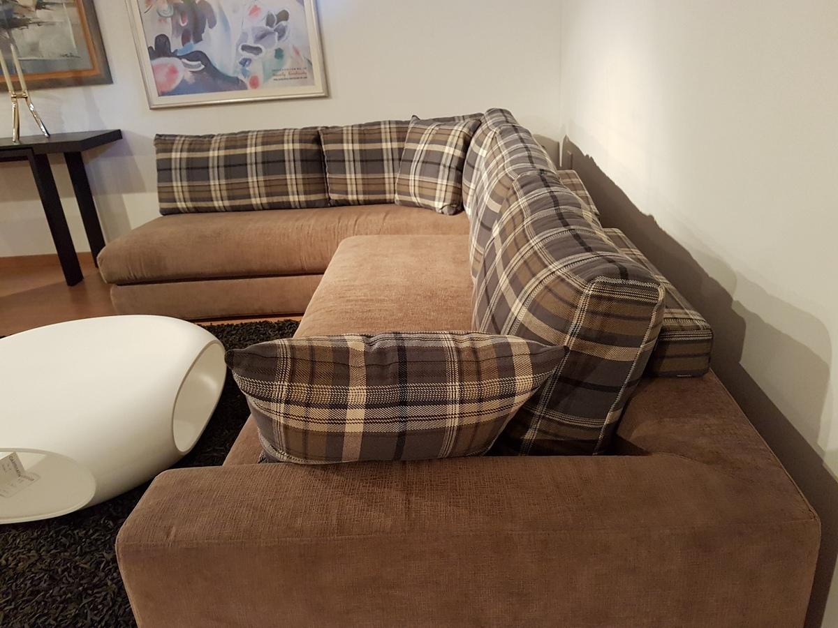 Outlet divani ditre italia prezzo occasione sul modello for Divano california prezzo