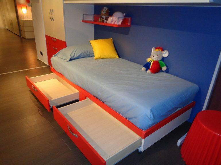 cameretta con letto con cassetti a prezzo outlet