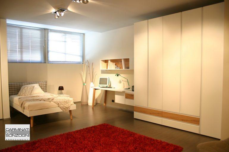 cameretta Clever con armadio, scrivania, letto da una piazza e mezza in vendita nel nostro negozio di Zogno, Bergamo