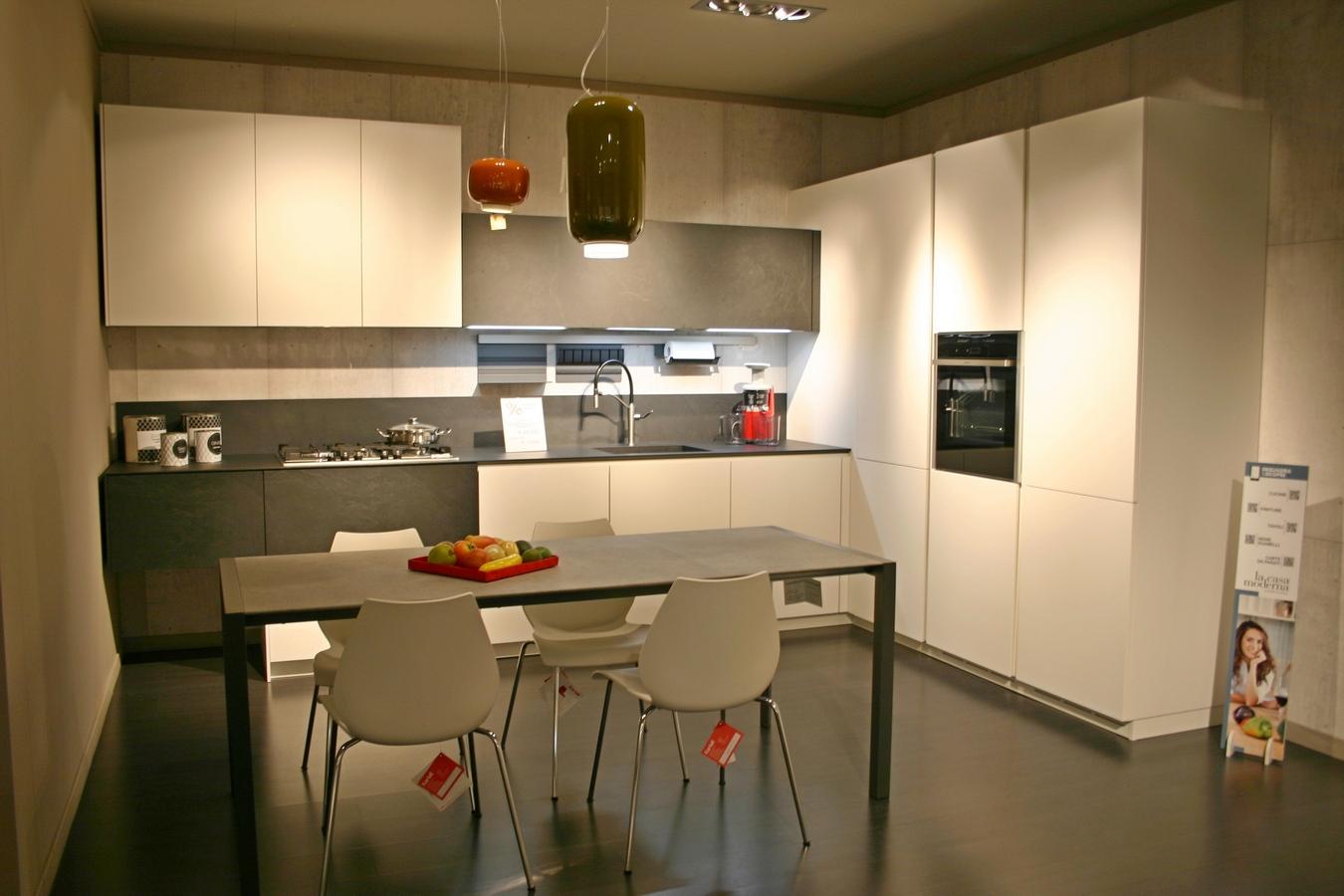Cucine da esposizione a prezzi scontati - Ardesia in cucina ...