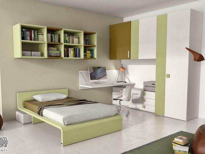 Bergamo, cameretta da ragazzo con letto da una piazza e mezza, pensili libreria, scrivania a muro