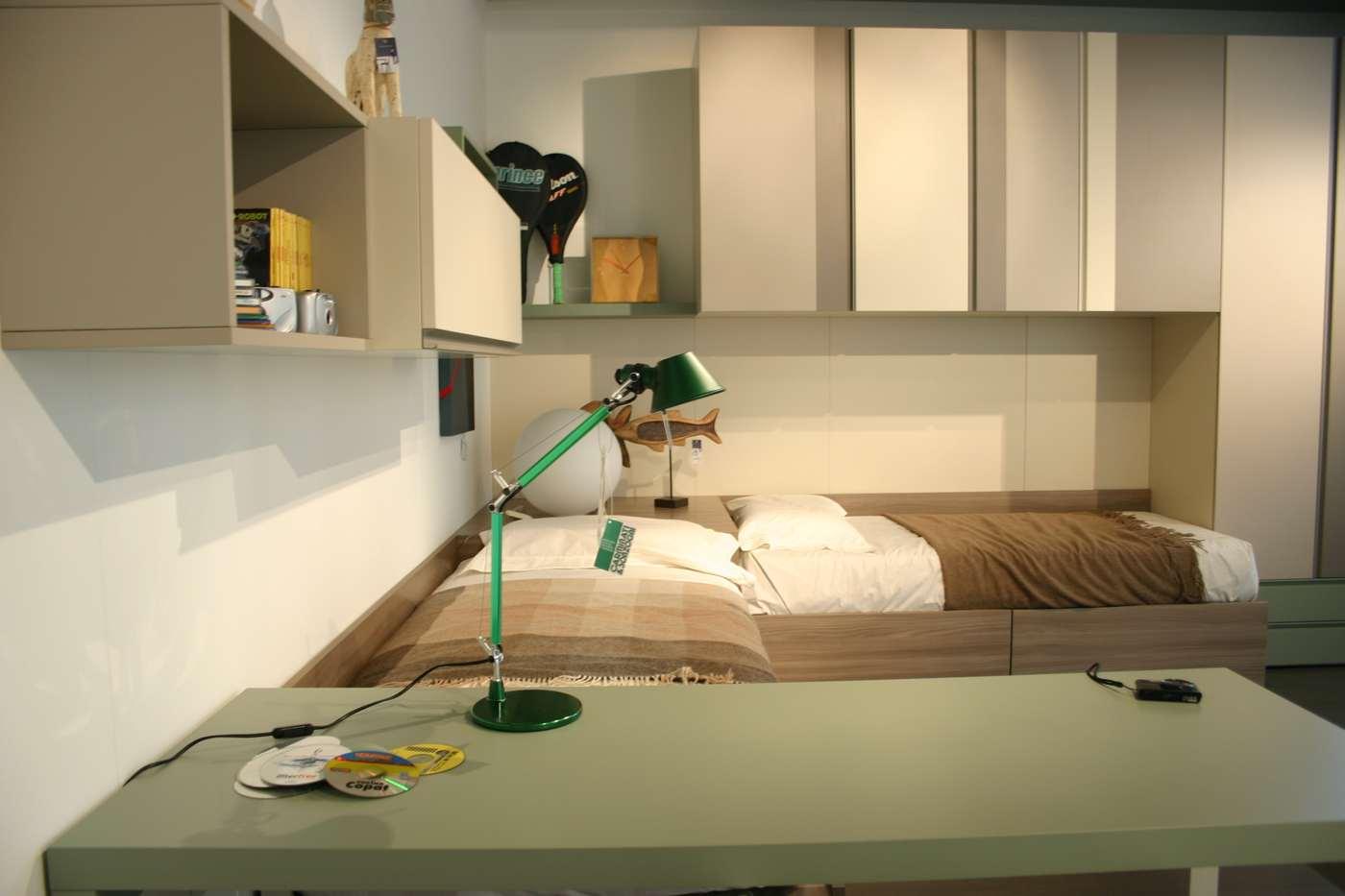 cameretta Clever con armadio a ponte, scrivania, letti, mensole, in vendita nel nostro negozio di Zogno, Bergamo, consegne anche a Milano