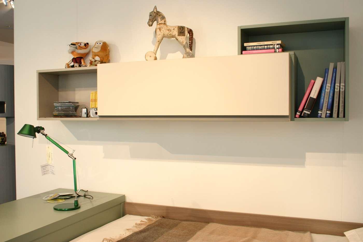 cameretta Clever con scrivania, letti, pensili e mensole, in vendita nel nostro negozio di Zogno, Bergamo, consegne anche a Milano