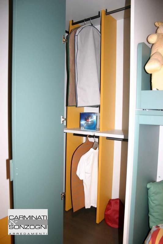 cameretta da ragazzo con piccola cabina armadio, Bergamo