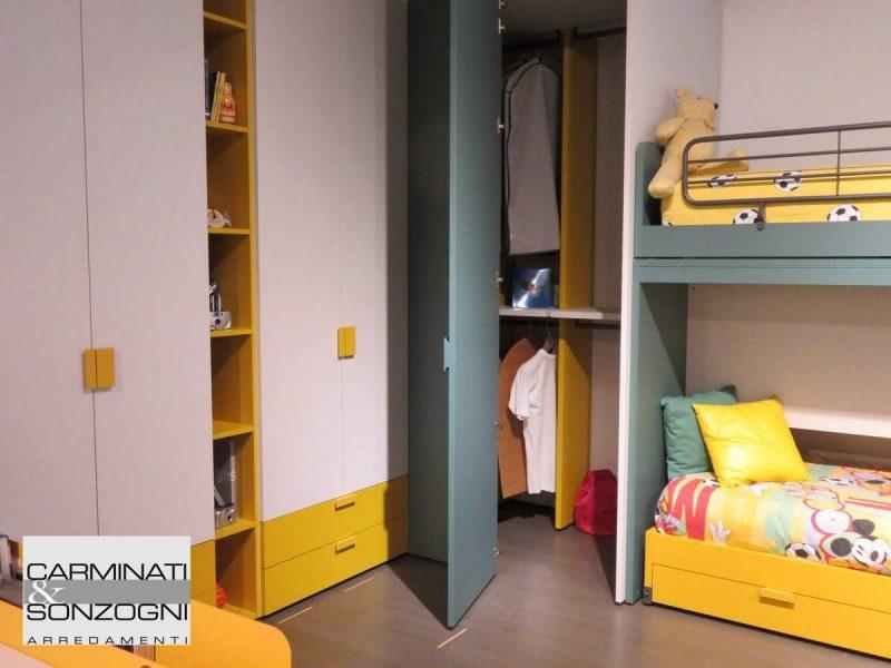 cameretta da ragazzo con piccola cabina armadio e letto a castello, Bergamo