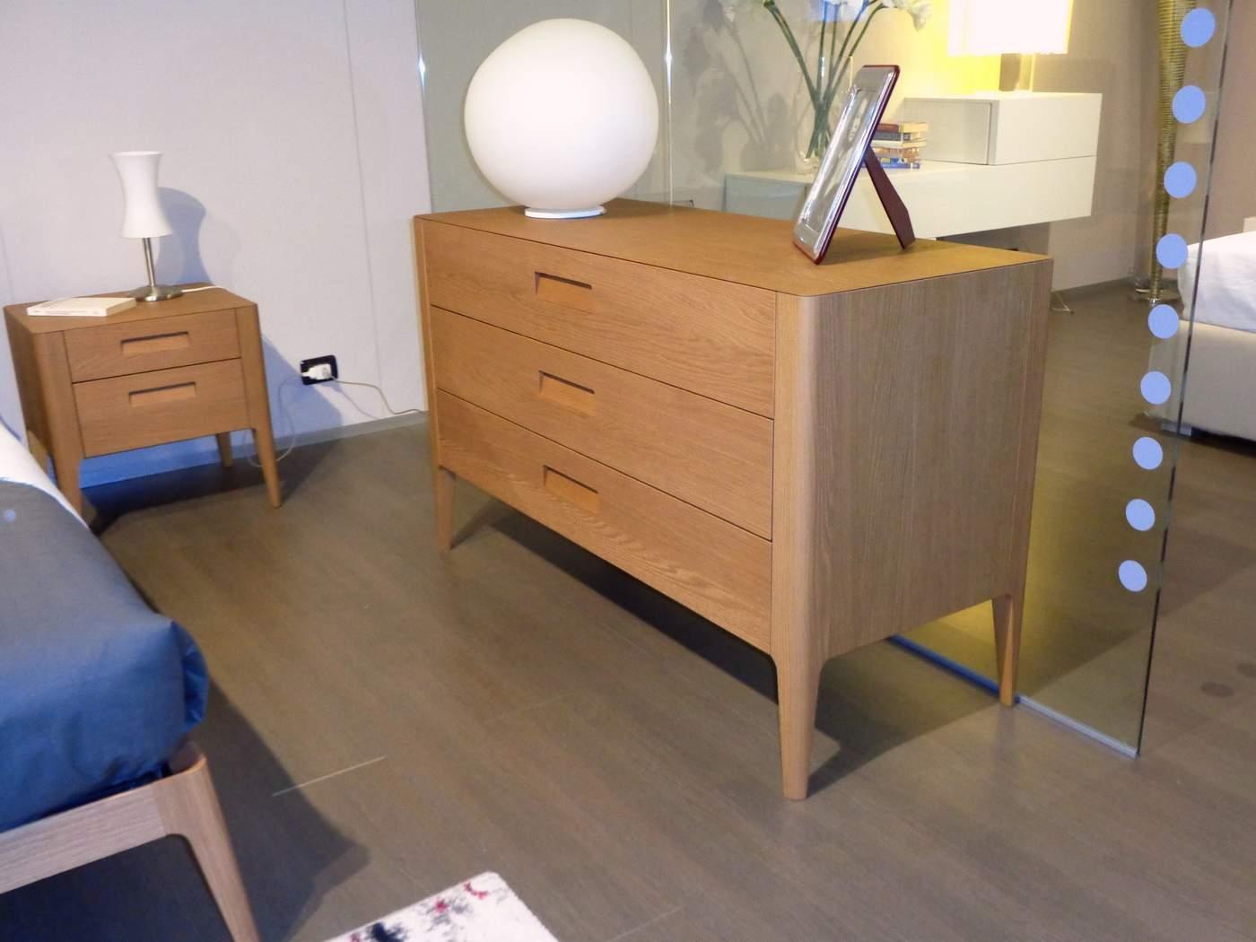 comò-per-camera-da-letto-Novamobili-Giotto-rovere-miele-in-vendita-nel-nostro-negozio-a-Zogno-Bergamo-1