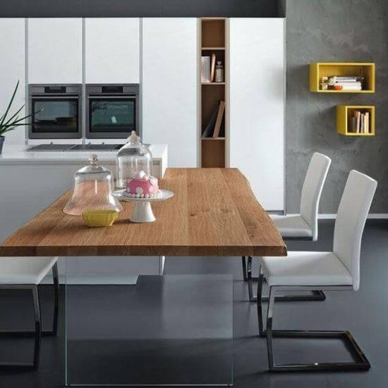 Cucina La Casa Moderna, penisola in legno con gambe in vetro