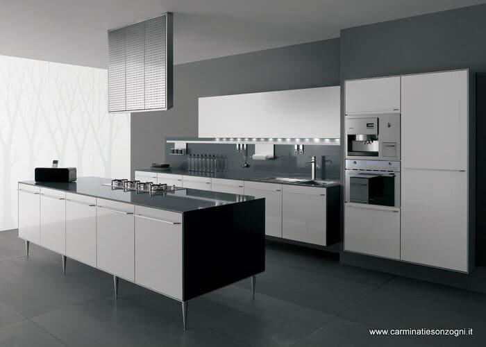 cucina-valcucine-mod-artematica-laminato-multiline-bianco-isola-piedi-cappa-mod-isola-piani-vetro-temperato