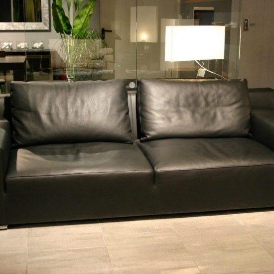 divano Saba Cafè de flore in pelle nera