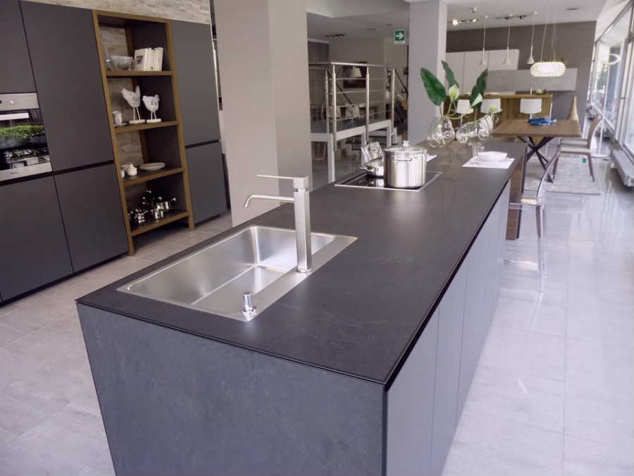 Cucine Moderne Di Alta Qualita.Cucine Moderne A Bergamo In Esposizione Carminati E