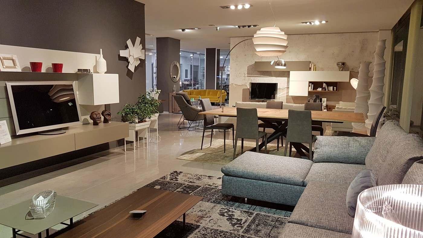 esposizione di mobili Bergamo, salotti Saba, Limes, New York, tavolo Ozzio, soggiorni la casa moderna, da Carminati e Sonzogni Zogno