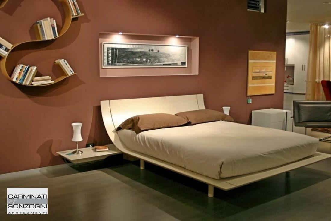 letto Aqua Presotto laccato corda con comodini a mensola con cassetto estraibile