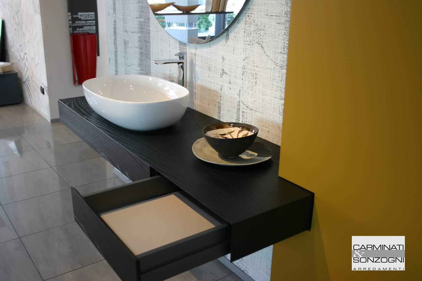 mobile da bagno con cassetto, con lavabo in appoggio, nel nostro negozio di Zogno Bergamo_tn