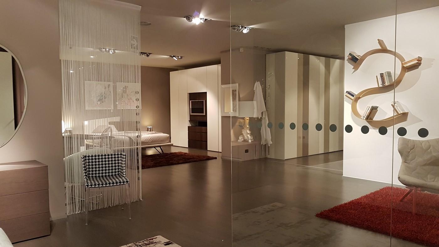 negozio con esposizione e vendita camere da letto provincia di Bergamo