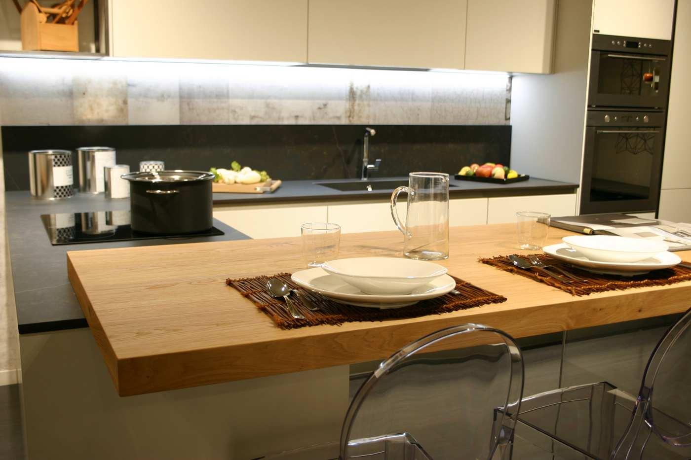 piano snack su penisola su cucina Snaidero Bergamo modello Way - cucina promozione bonus 2000