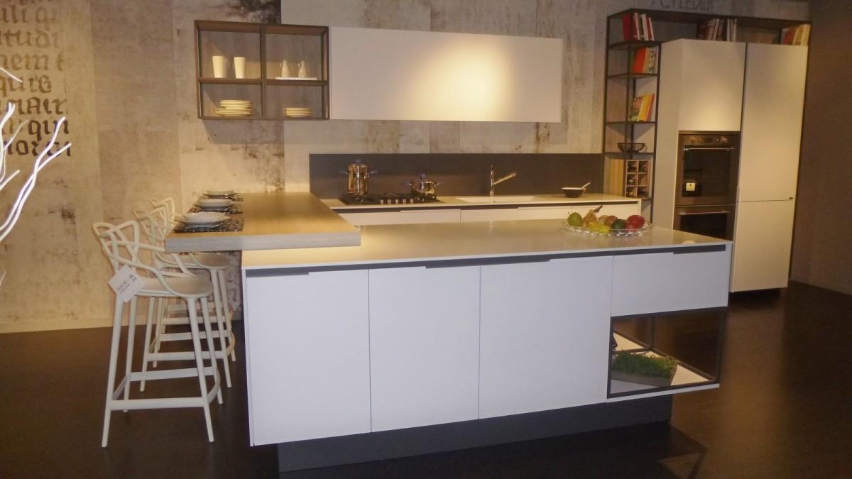 outlet cucine Lago a prezzo scontato del 42% per rinnovo