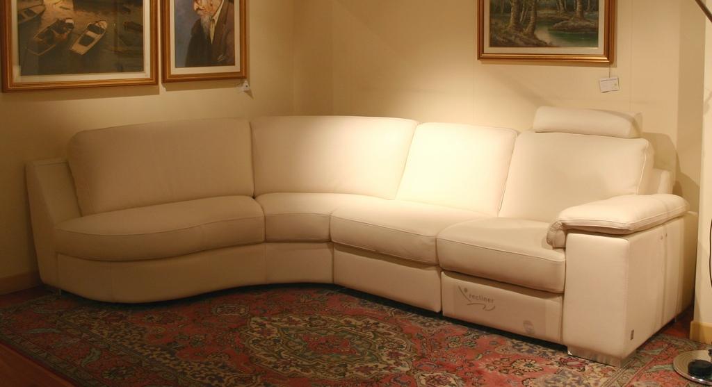 outlet divani: salotto Doimo Sofas pelle- Carminati e Sonzogni