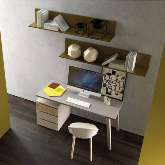 scrivania-cameretta-mensole-libreria